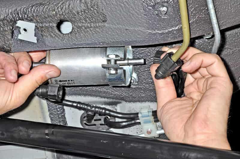 Замена топливного фильтра Шевроле Нива своими руками: видео